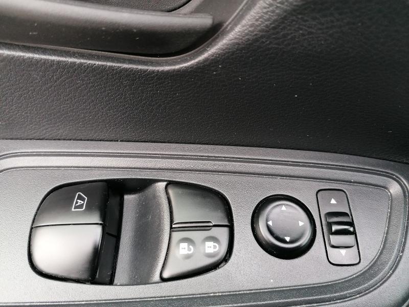 Nissan Micra 1.2 80ch Visia Pack Euro6 Gris occasion à Fleury-les-Aubrais - photo n°19