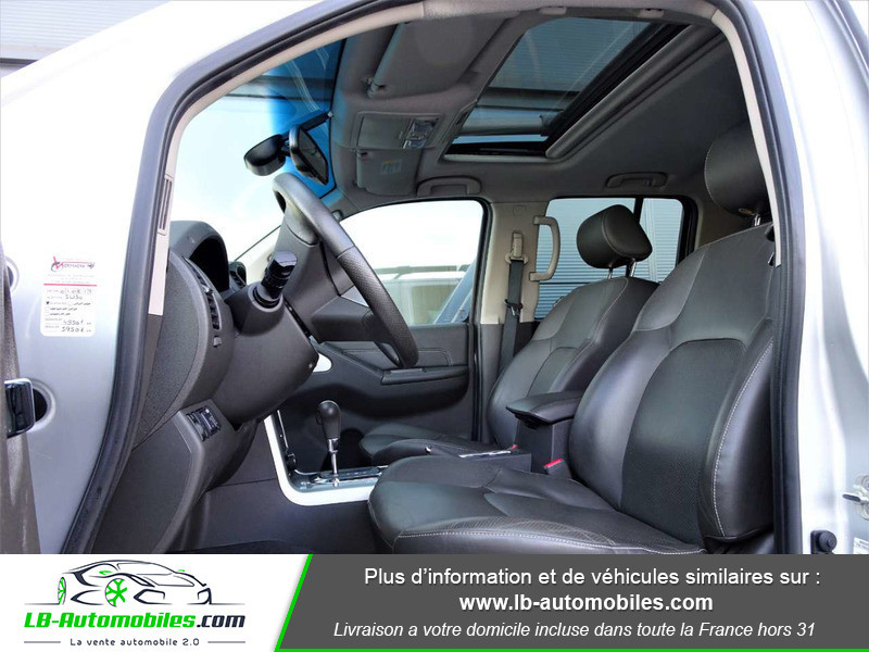 Nissan Navara 3.0 V6 231 / Double Cab A Argent occasion à Beaupuy - photo n°4