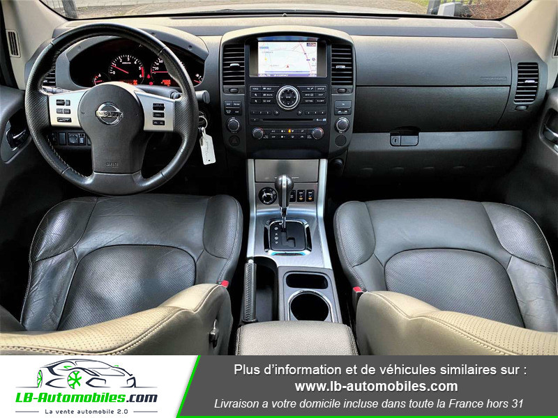 Nissan Navara 3.0 V6 231 / Double Cab A Argent occasion à Beaupuy - photo n°2