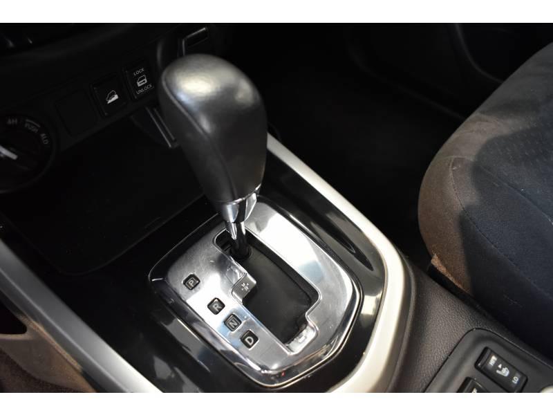 Nissan Navara NP300 2.3 DCI 190 DOUBLE CAB BVA7 TREK-1° Noir occasion à Limoges - photo n°15