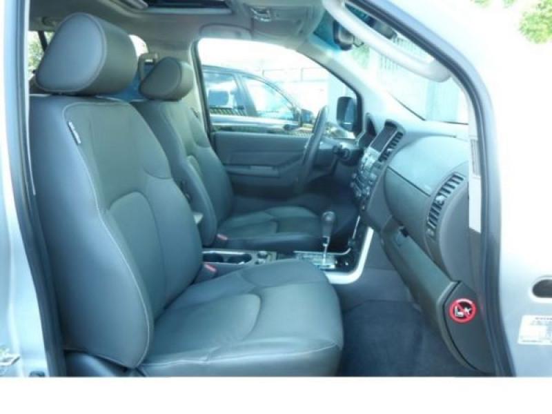 Nissan Pathfinder 2.5 DCI 190 7places Argent occasion à Beaupuy - photo n°4