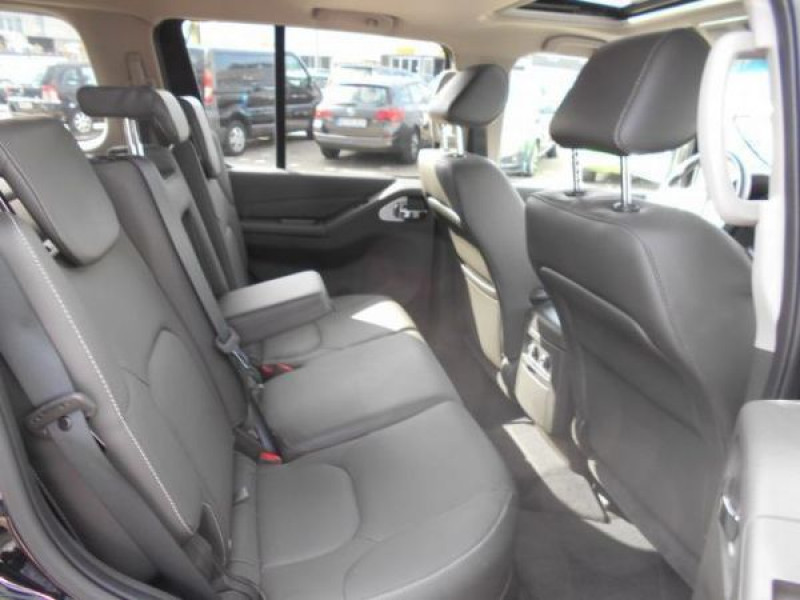 Nissan Pathfinder 2.5 DCI 190 7places Noir occasion à Beaupuy - photo n°3