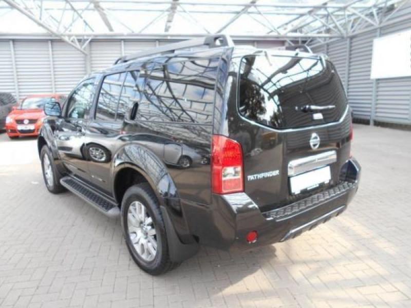 Nissan Pathfinder 2.5 DCI 190 7places Noir occasion à Beaupuy - photo n°2