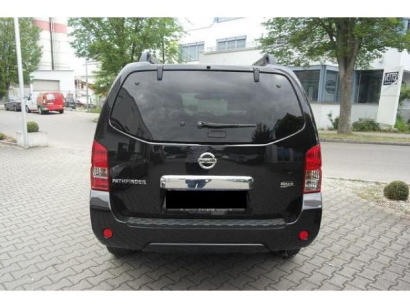 Nissan Pathfinder 2.5 DCI 190 Noir occasion à Beaupuy - photo n°7