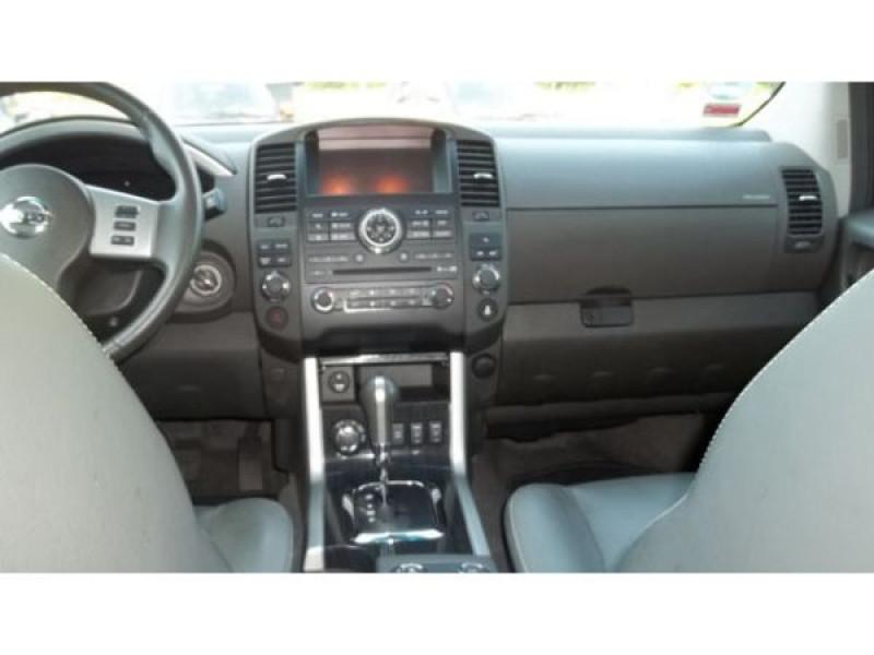 Nissan Pathfinder 3.0 DCI 231 7 places Blanc occasion à Beaupuy - photo n°1