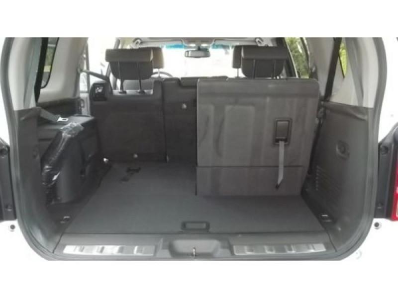Nissan Pathfinder 3.0 DCI 231 7 places Blanc occasion à Beaupuy - photo n°6