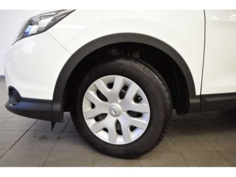 Nissan Qashqai 1.2 DIG-T 115 CH Visia Blanc occasion à Beaupuy - photo n°9