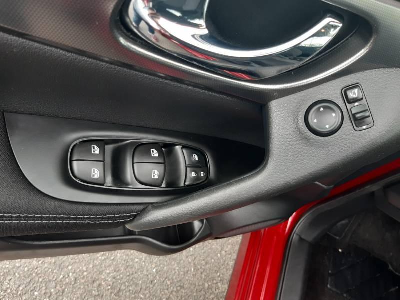 Nissan Qashqai 1.2 DIG-T 115 N-Connecta Rouge occasion à Champniers - photo n°11