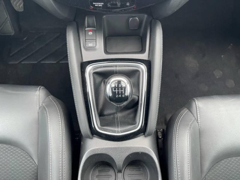 Nissan Qashqai 1.5 dCi 110 Tekna Blanc occasion à Champniers - photo n°9