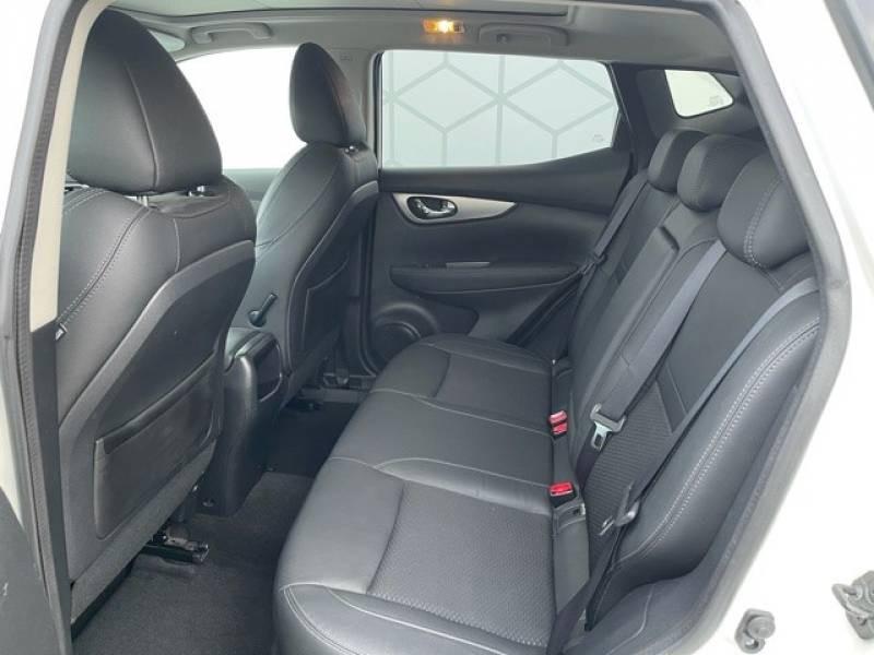 Nissan Qashqai 1.5 dCi 110 Tekna Blanc occasion à Champniers - photo n°12
