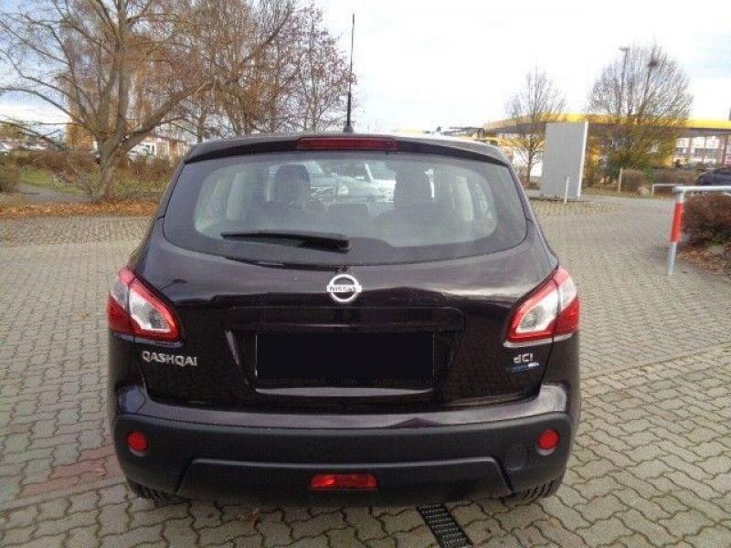 Nissan Qashqai 1.5 DCI 110 Violet occasion à Beaupuy - photo n°8