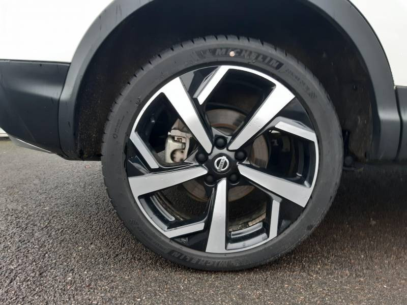 Nissan Qashqai 1.5 dCi 115 Tekna Blanc occasion à Champniers - photo n°17