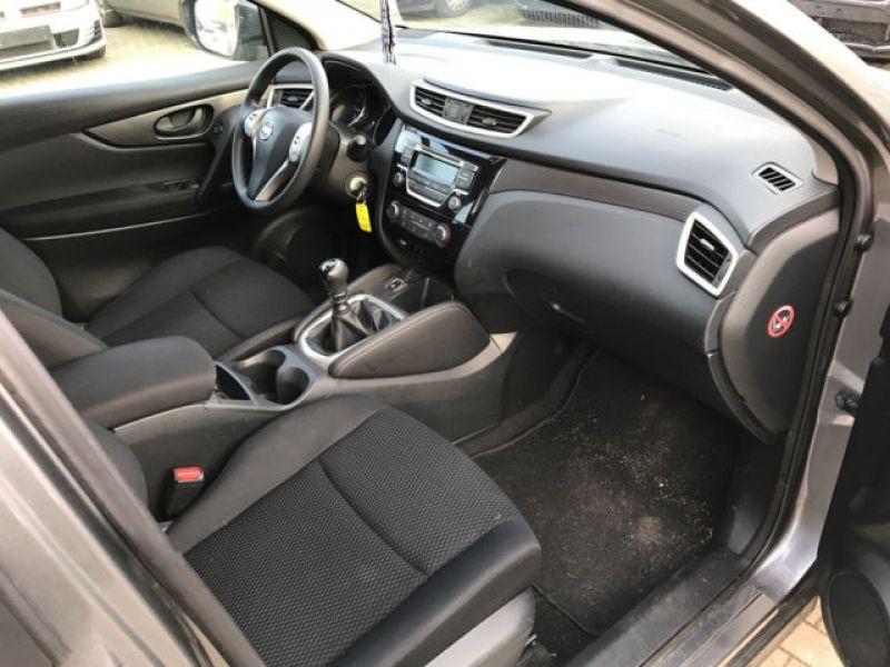 Nissan Qashqai 1.5 DCI VISIA Gris occasion à Beaupuy - photo n°4