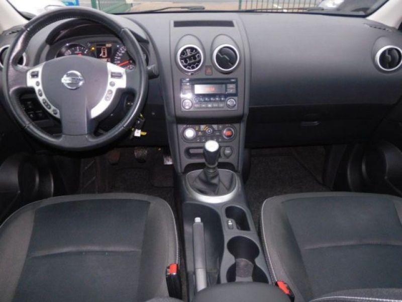 Nissan Qashqai 1.6 DCI ACENTA Violet occasion à Beaupuy - photo n°1