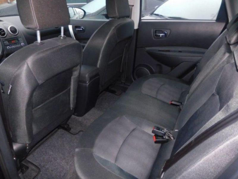 Nissan Qashqai 1.6 DCI ACENTA Violet occasion à Beaupuy - photo n°4
