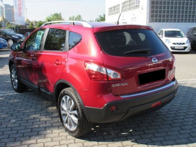 Nissan Qashqai 1.6 DCI TEKNA Rouge occasion à Beaupuy - photo n°2
