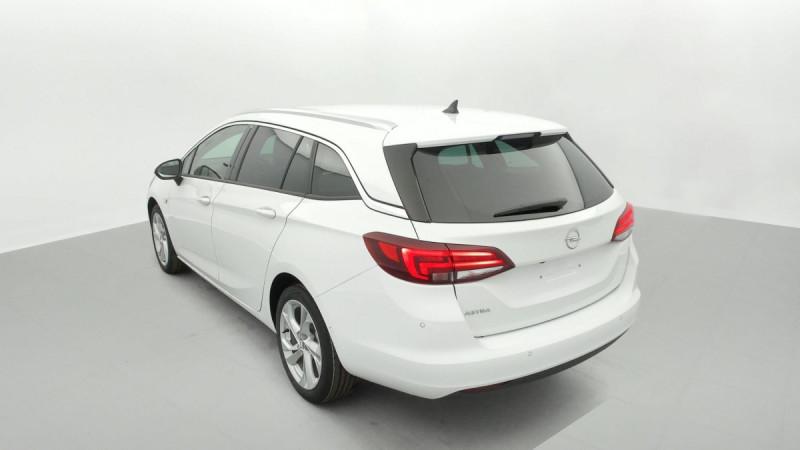 Opel Astra Sports tourer 1.5 Diesel 122 ch BVM6 Elegance Business Blanc occasion à SAINT-GREGOIRE - photo n°4