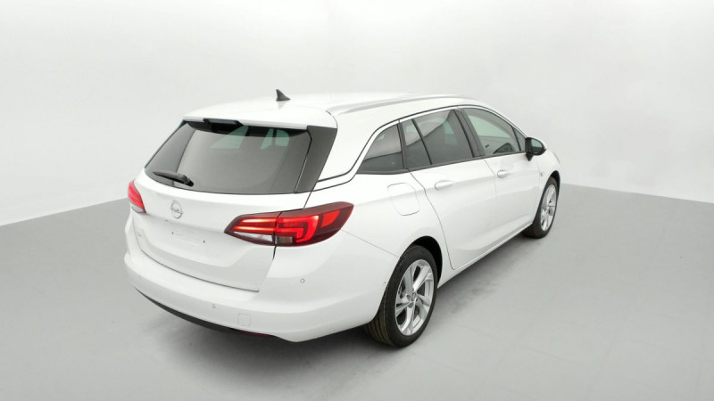 Opel Astra Sports tourer 1.5 Diesel 122 ch BVM6 Elegance Business Blanc occasion à SAINT-GREGOIRE - photo n°6
