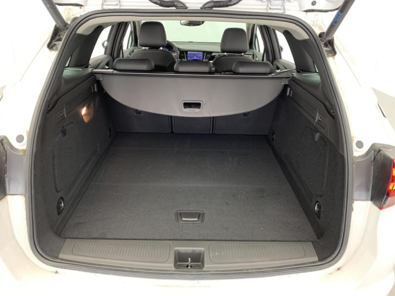 Opel Astra Sports tourer 1.5 Diesel 122 ch BVM6 Elegance Business Blanc occasion à SAINT-GREGOIRE - photo n°9