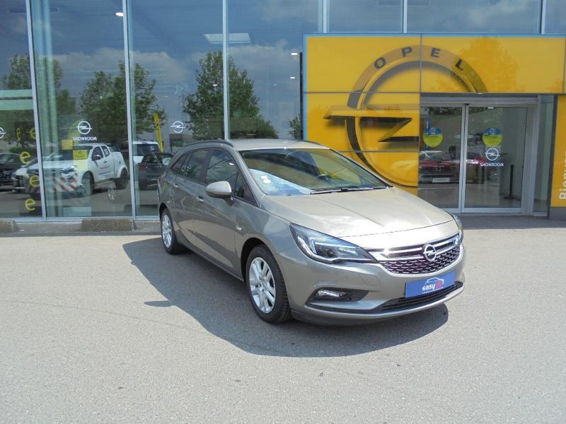 Opel Astra Sports tourer 1.6 CDTI 110ch ecoFLEX Start&Stop Business Edition Gris occasion à Vert-Saint-Denis
