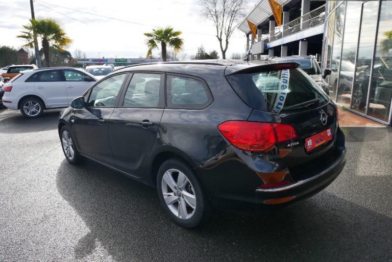 Opel Astra Sports tourer 1.7 CDTI 110 EDITION JA Noir occasion à Lescure-d'Albigeois - photo n°5