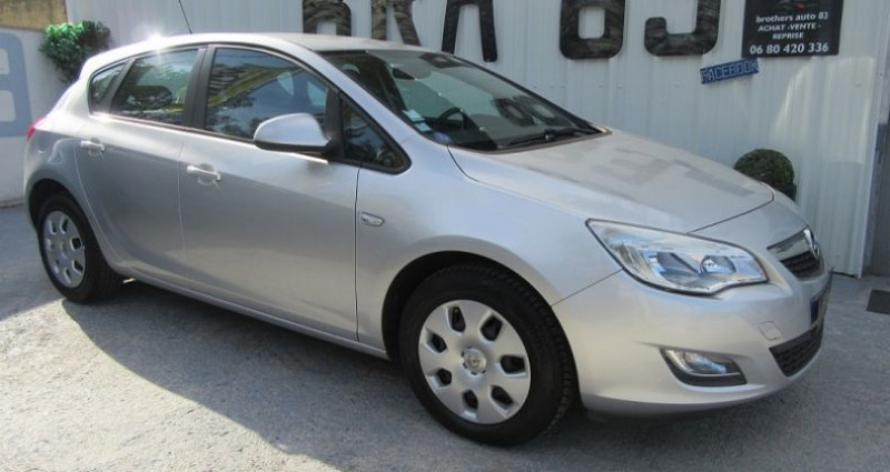 Opel Astra 1.4 TWINPORT ESSENTIA Gris occasion à Le Muy