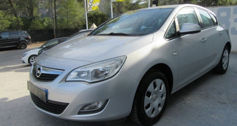 Opel Astra 1.4 TWINPORT ESSENTIA Gris occasion à Le Muy - photo n°3
