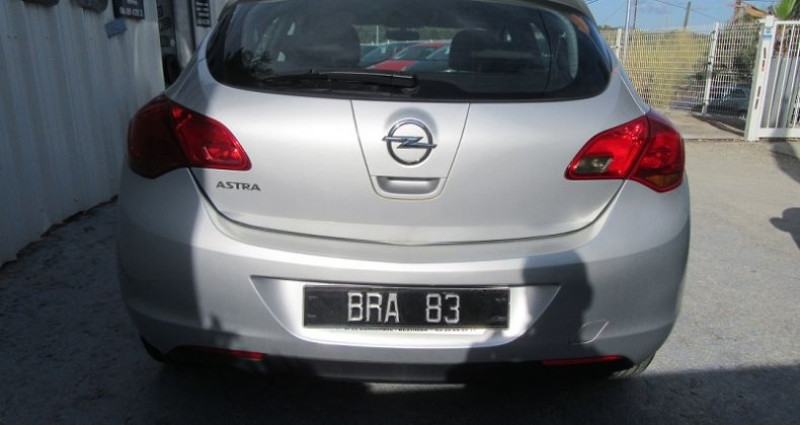 Opel Astra 1.4 TWINPORT ESSENTIA Gris occasion à Le Muy - photo n°5
