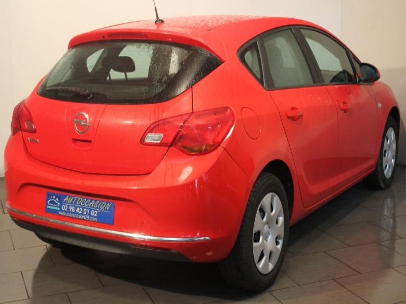 Opel Astra 1.4I 120 Rouge occasion à Brest - photo n°2
