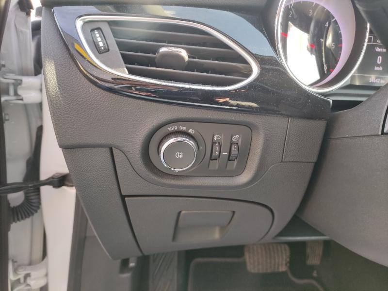 Opel Astra 1.5 D 122ch Elegance BVA Blanc occasion à Samoreau - photo n°11