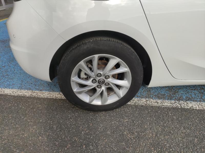 Opel Astra 1.5 D 122ch Elegance BVA Blanc occasion à Samoreau - photo n°6