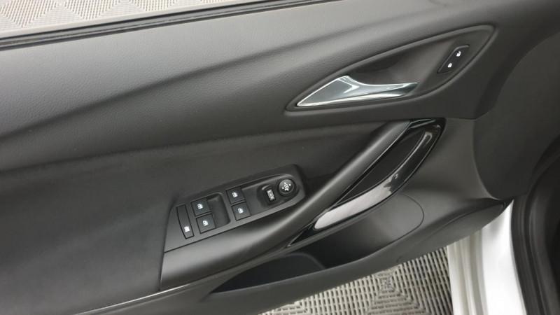 Opel Astra 1.6 cdti 136cv mt6 dynamic Gris occasion à Riorges - photo n°12