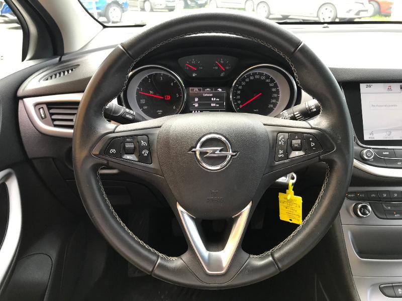Opel Astra 1.6 D 110ch Business Edition Noir occasion à Corbeil-Essonnes - photo n°17