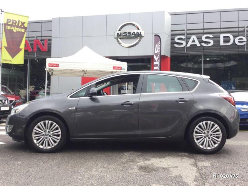 Opel Astra 1.7 CDTI 110ch FAP Cosmo Gris occasion à Saint-Quentin - photo n°8