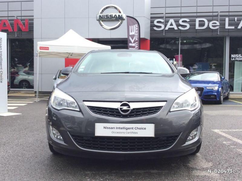 Opel Astra 1.7 CDTI 110ch FAP Cosmo Gris occasion à Saint-Quentin - photo n°2