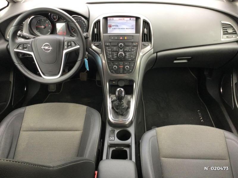 Opel Astra 1.7 CDTI 110ch FAP Cosmo Gris occasion à Saint-Quentin - photo n°10