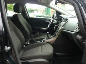 Opel Astra 1.7 CDTI110 FAP ENJOY Noir occasion à Toulouse - photo n°6