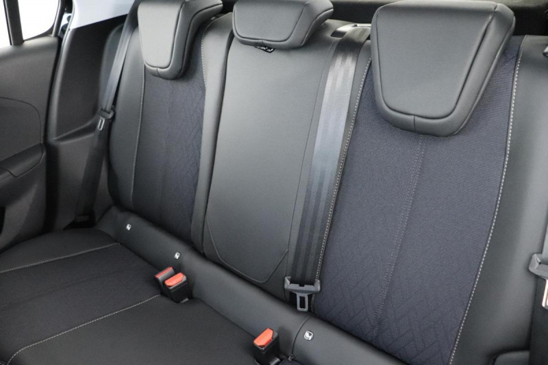 Opel Corsa 1.2 Turbo 100 ch BVA8 Elegance Noir occasion à La Garde - photo n°6