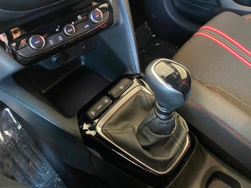 Opel Corsa 1.2 Turbo 100ch GS Line Gris occasion à Meaux - photo n°17