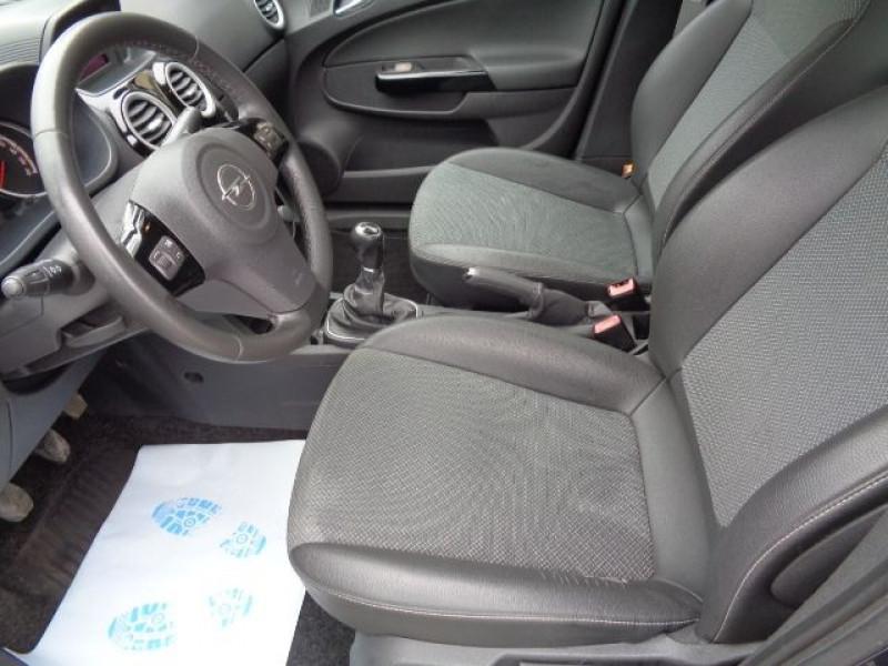 Opel Corsa 1.3 CDTI90 COSMO 5P Bleu occasion à Aucamville - photo n°9