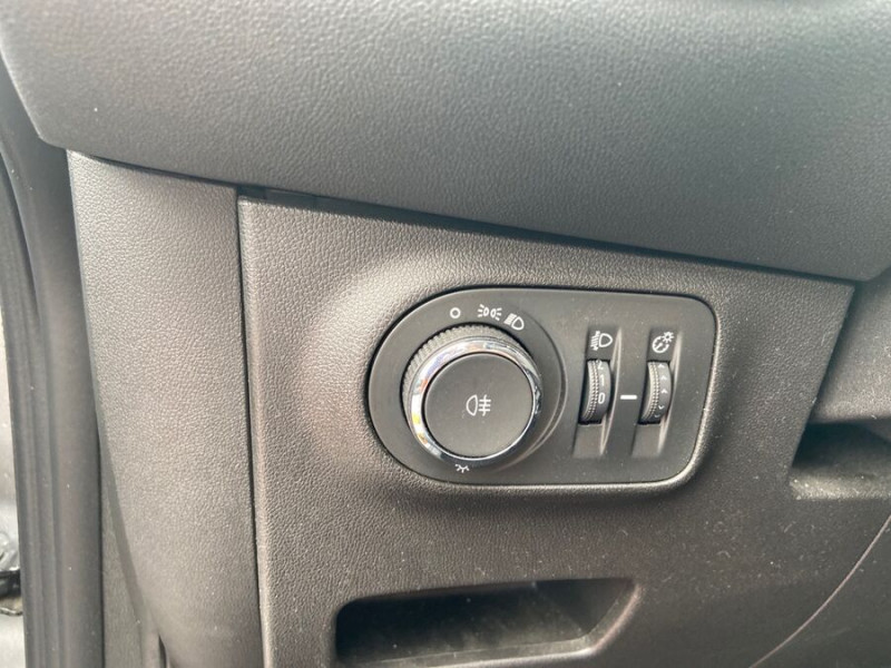 Opel Corsa 1.4 90 ENJOY CLIM Bluetooth JA 15 Gris occasion à Toulouse - photo n°15