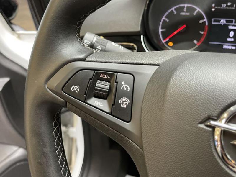 Opel Corsa 1.4 Turbo 100ch Black Edition Start/Stop 5p Blanc occasion à Le Mans - photo n°8