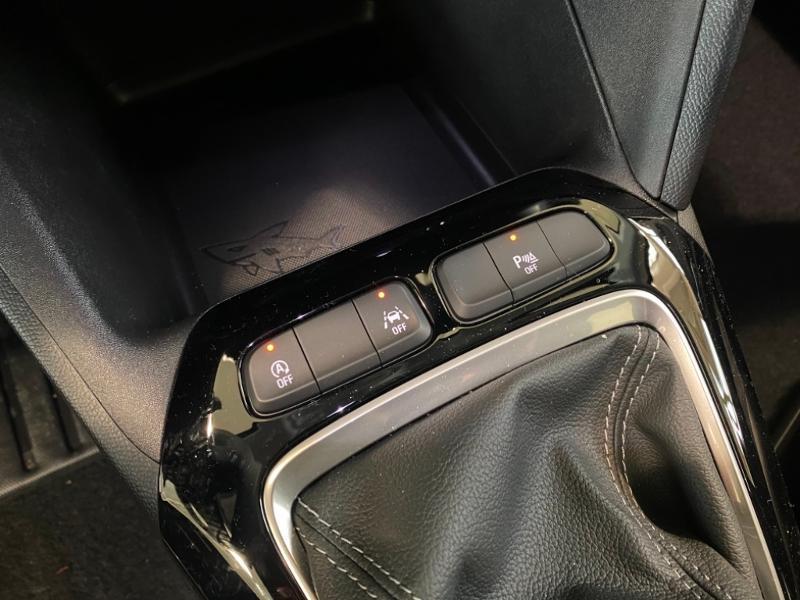 Opel Corsa 1.5 D 100ch Elegance Noir occasion à Lognes - photo n°17