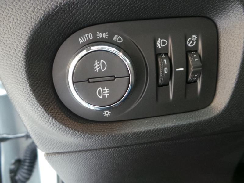 Opel Corsa 5P Edition 1.5 Diesel 100ch S/S BVM6 (2020A) Blanc occasion à Brie-Comte-Robert - photo n°7