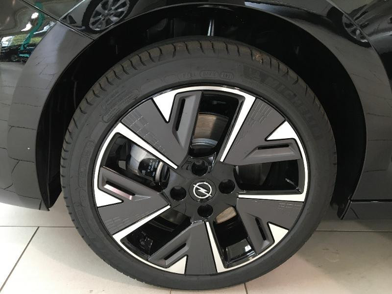 Opel Corsa Corsa-e 136ch GS Line Noir occasion à Lognes - photo n°18