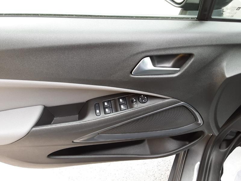 Opel Crossland X 1.2 Turbo 110ch Elegance 6cv Noir occasion à Vert-Saint-Denis - photo n°18