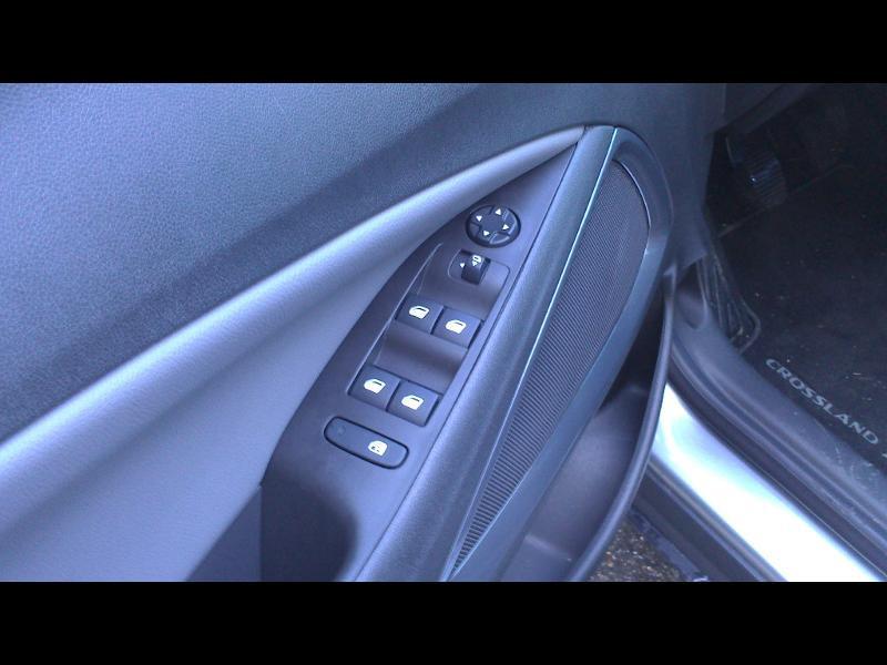 Opel Crossland X 1.2 Turbo 110ch Elegance Business Euro 6d-T Gris occasion à Vert-Saint-Denis - photo n°9