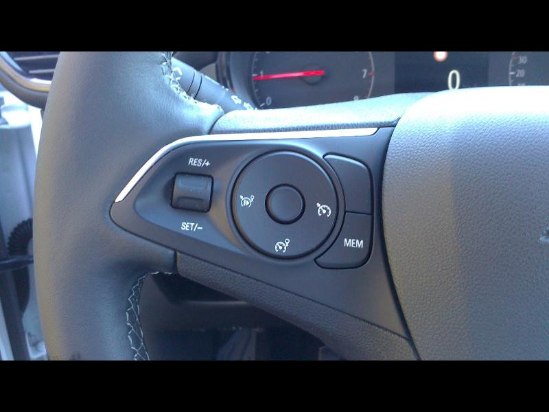 Opel Crossland X 1.2 Turbo 110ch Opel 2020 6cv Blanc occasion à Vert-Saint-Denis - photo n°15