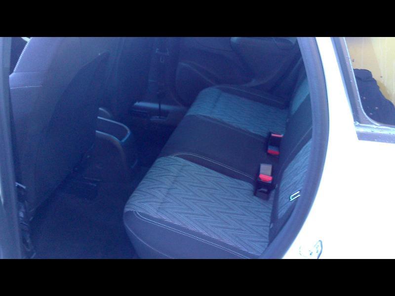 Opel Crossland X 1.2 Turbo 110ch Opel 2020 6cv Blanc occasion à Vert-Saint-Denis - photo n°12