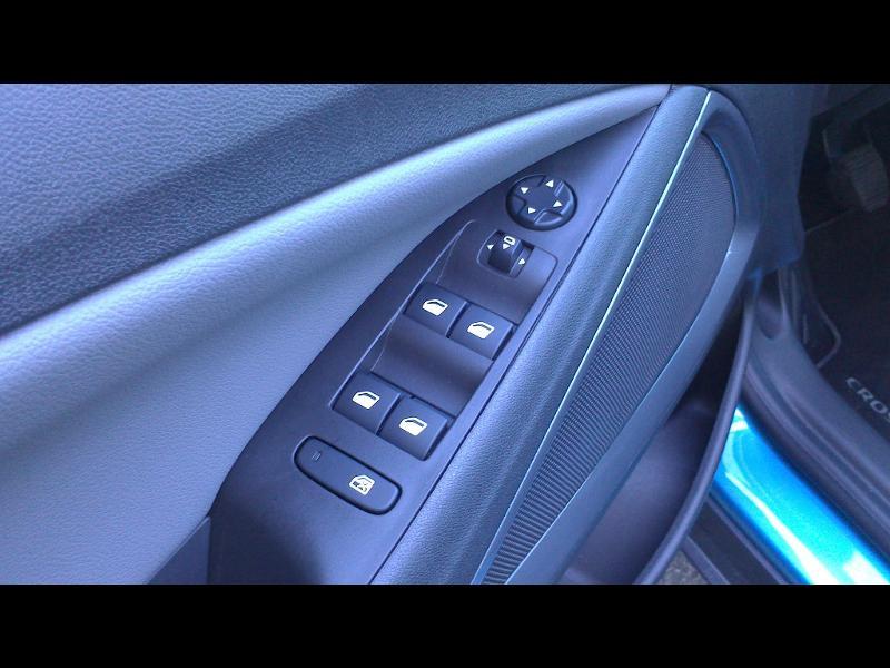 Opel Crossland X ELEGANCE 1.2 Turbo 130ch BVM6 (2020A) Bleu occasion à Vert-Saint-Denis - photo n°11